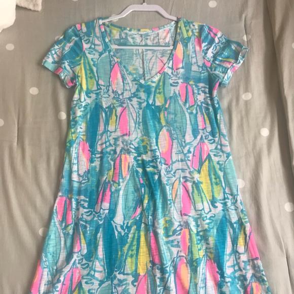 Lilly Pulitzer Dresses & Skirts - Lilly Pulitzer T-shirt dress